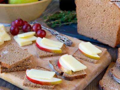 Classic Pumpernickel bread