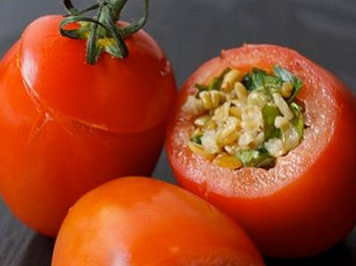 Freekeh Stuffed Tomatoes