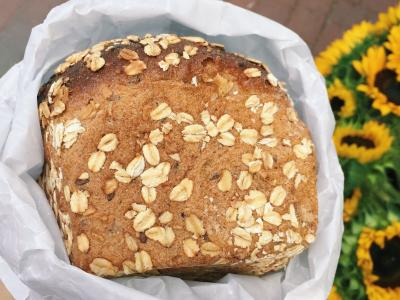 KellyToups_WholeGrainBread_IggysBakery.jpg