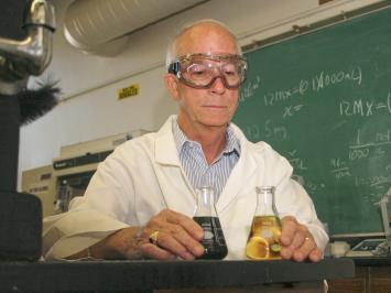 Chemist Joe Vinson, Ph.D., tests liquefied whole grains for antioxidants